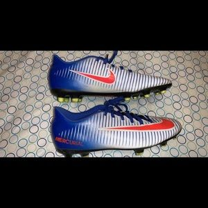 Nike soccer cleats (8)